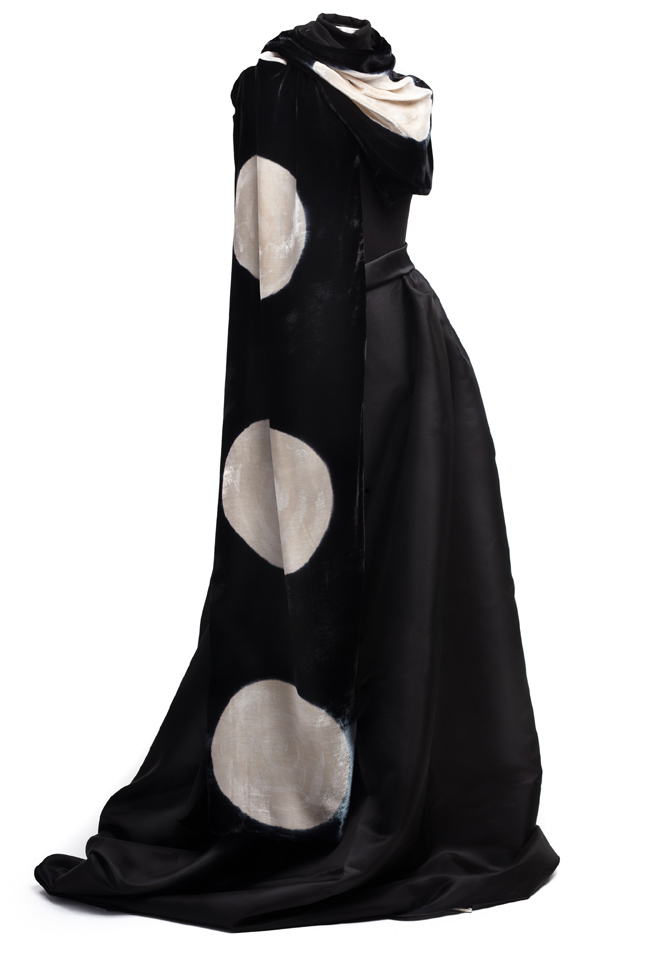 Silk Velvet Wrap - Black & Ecru Circles